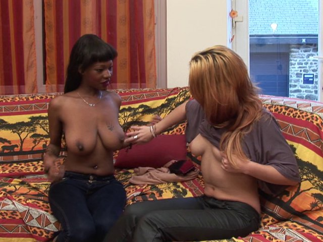 Jenny et son corps de rêve dans un porno interracial