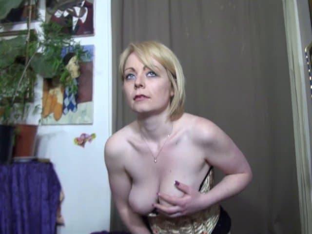 Marion, cougar destinée à faire du porno