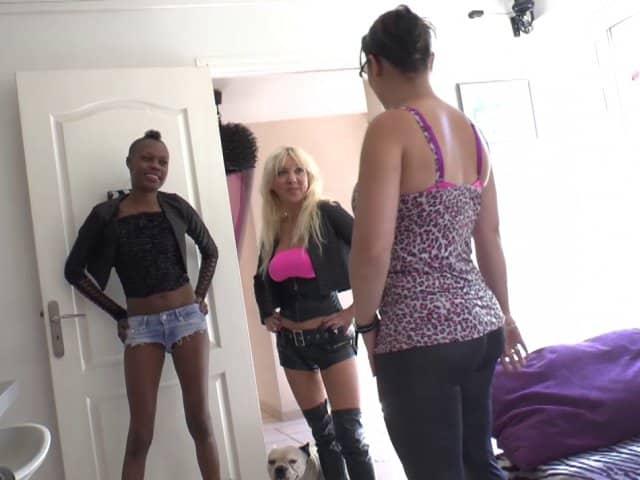 Candice organise une partouze pour deux copines